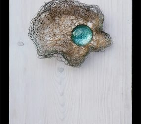 Mixed tech., glass & gliding on wood • 22,5x17cm • More pic. > GALLERY SCULPTURES